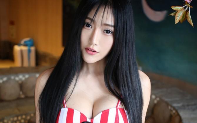 酥胸巨乳诱惑女人图片壁纸下载