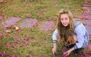 花朵可爱甜美女孩图片下载