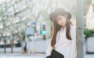 黑色帽子清纯美丽女孩图片壁纸