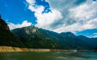 巫峡山绿色桌面壁纸 高清