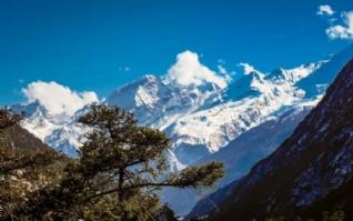 西藏吉隆沟亮丽的风景线电脑