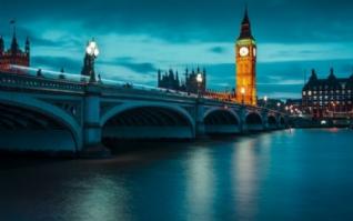 英国伦敦泰晤士河畔电脑风景壁纸